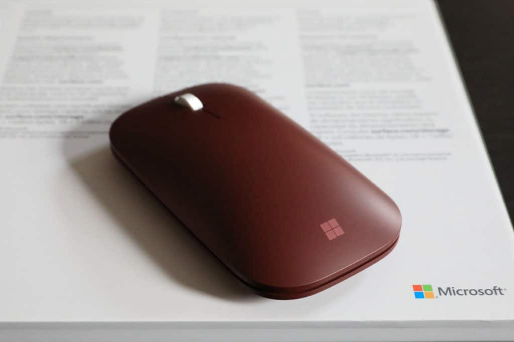 Surface-Go-mouse-top