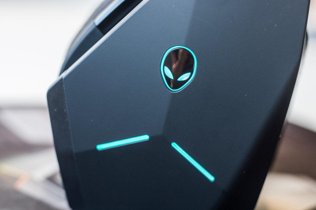 alienware-headphones-11