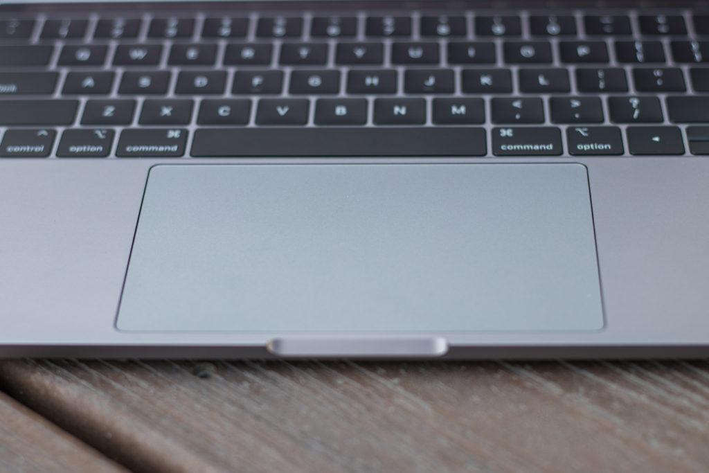 Macbook-Pro-13-in-Slickdeals-9