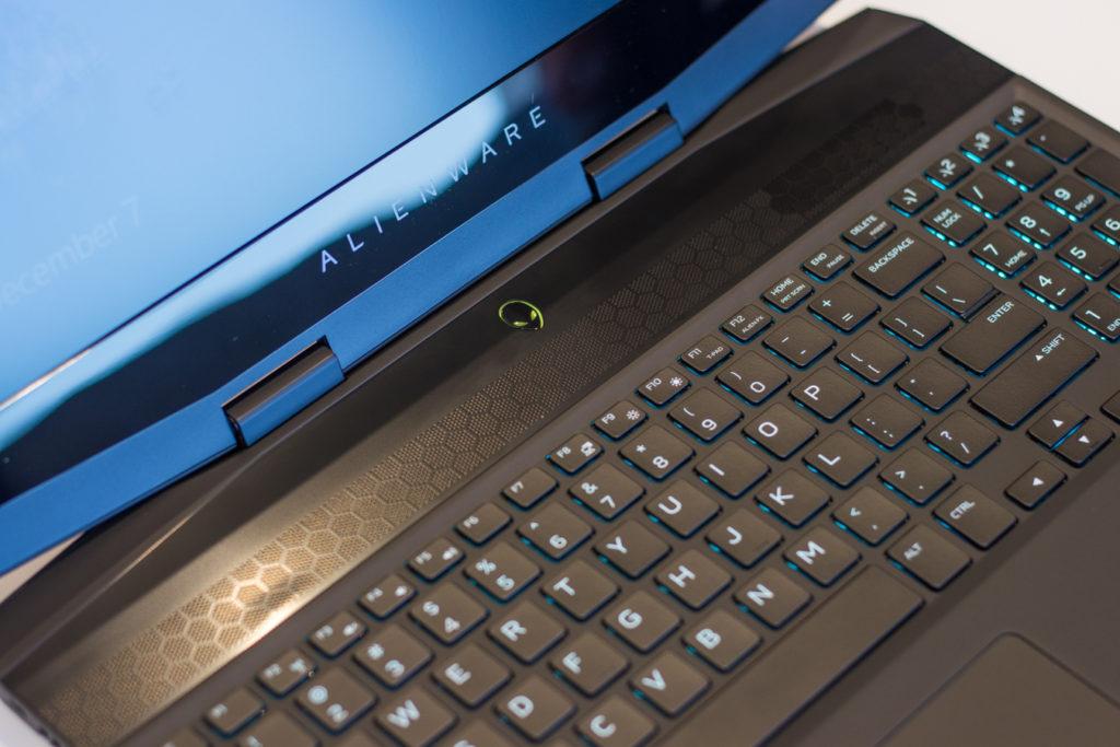 Alienware-M15-Gaming-Laptop-30