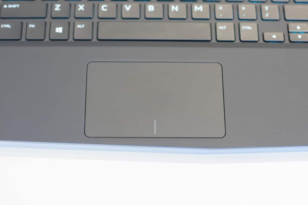 Alienware-M15-Gaming-Laptop-34