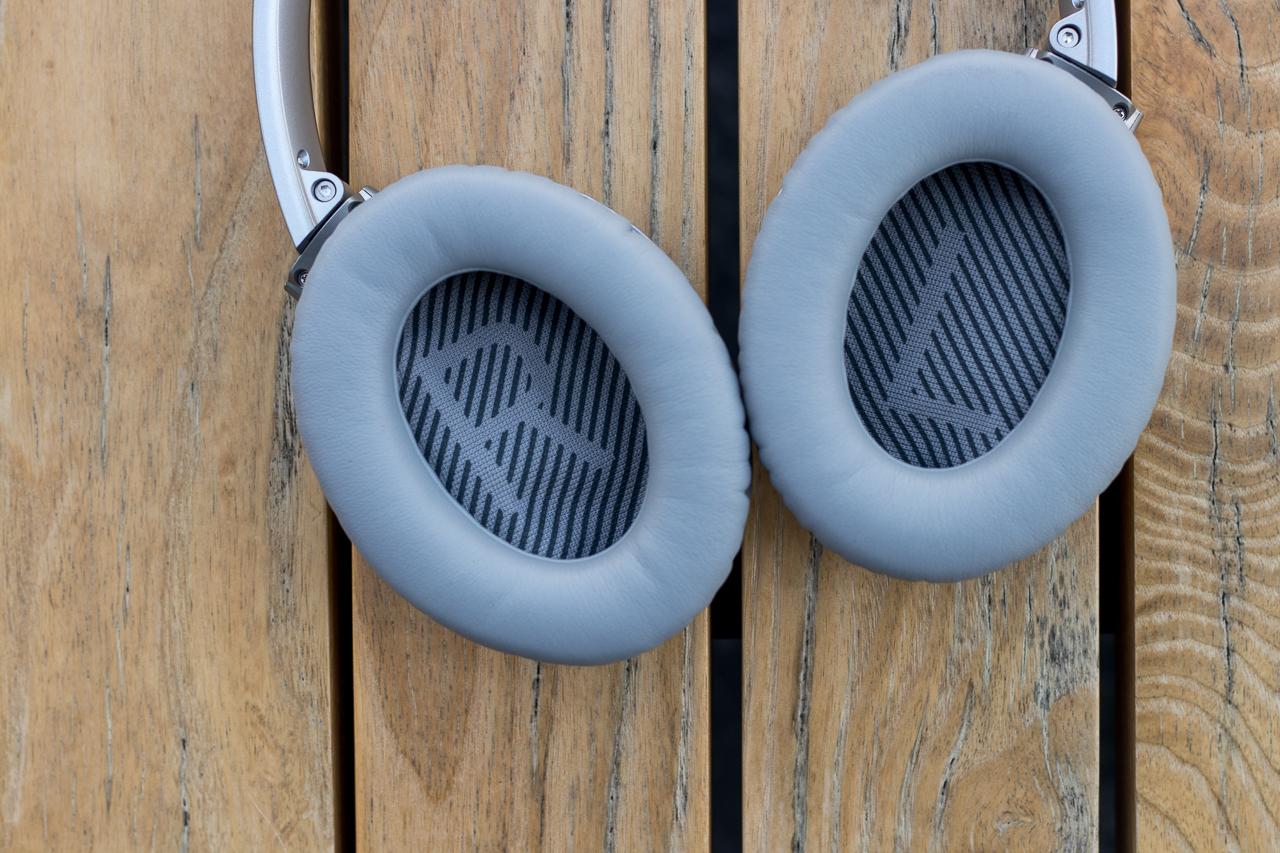 QC 35 headphone cups